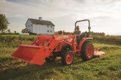 L2501-FemaleMowing3_M